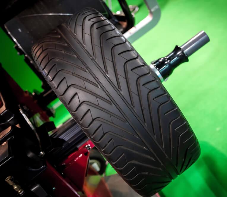 cor-auto-tire-balancing